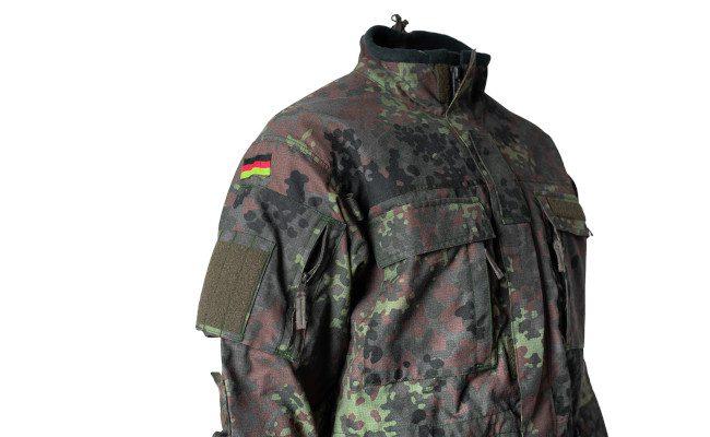 Kampfbekleidung_Jacke_5FTD_WATTANA_Brusttaschen